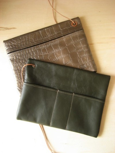 Leather Pouch to organize the inside of the bag by Aging Inc.