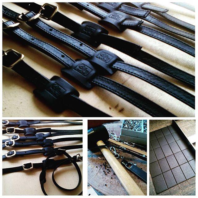 レザーストラップ。東京に上陸するNY発ナポリピザのお店のユニフォームの一部です。#leather#craft#favorpoco#aging