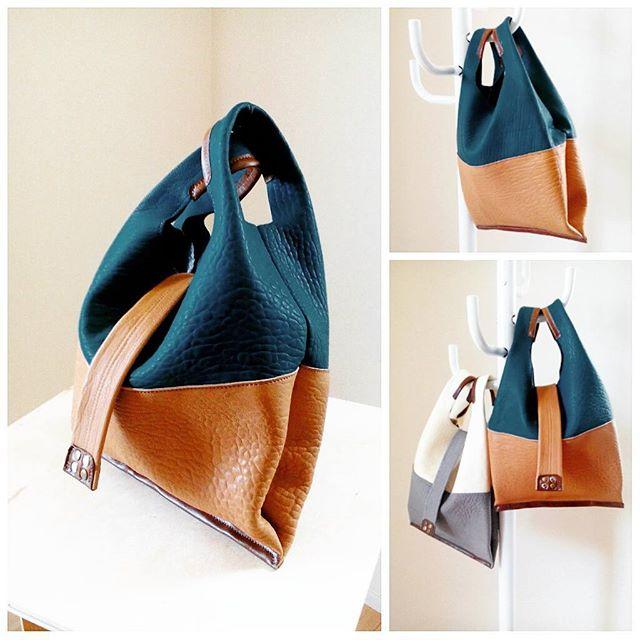 レジ袋のような革袋ピーコックブルー×キャメル#leather #leatherbag #aging #favorpoco #レザー #craft #バッグ #bag
