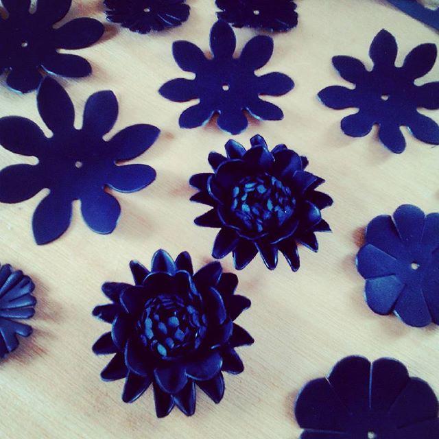 咲いた#leather #favorpoco #aging #flower #dahlia #blooming
