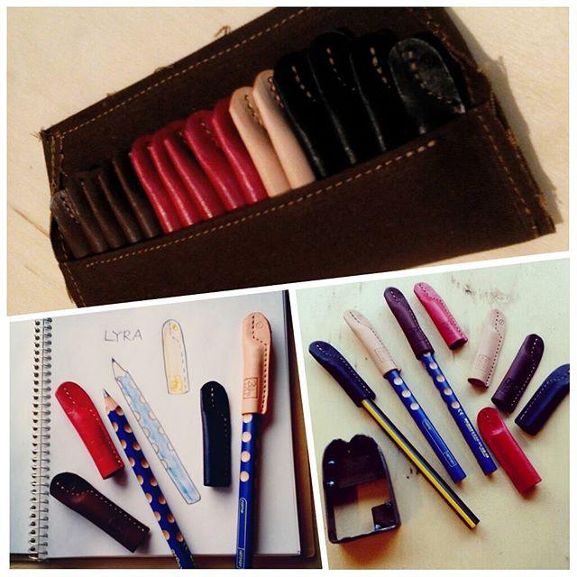 ドイツのリラ社の鉛筆はとても人気がある様子。太軸で水玉のように削った丸い部分に指を乗せると握り方矯正になるし、鉛筆が転がりにくい。太いほど握るのも簡単だから小学校の入学用にこれを揃えるお母さんがいるらしく、毎年春に1人~2人、太軸用鉛筆キャップのお問い合わせが入っていました。Agingでは今年作りはじめ、文具屋さんにも卸していますがとても好評。上の画像はストアにご注文下さった方への納品分。お一人でたくさんご注文くださる方が多いので袋をつけています。色鉛筆も販売されているから、持ち運ぶときに保護できるようステッチに工夫を凝らしてあります。1個520円。豪華なキャップです。#pencilcap #favorpoco #aging #pencil #鉛筆キャップ #lyra
