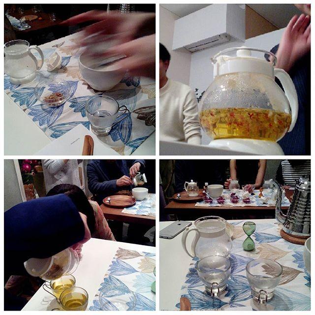 みんなでゆるゆるお茶の会。このまえ情熱大陸に出演した向田麻衣さんのお店で閉店後に。#ラリトプール