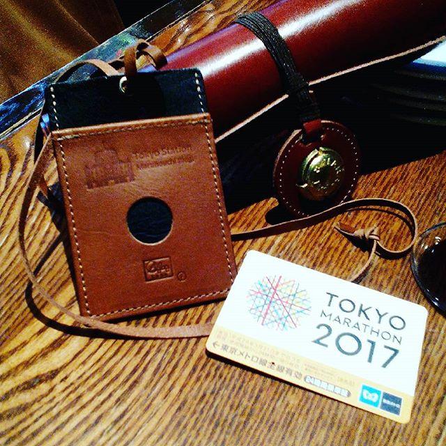 東京マラソンのランナー達のゴールは東京駅でした。ランナーには東京メトロの一日乗車券が用意されていました。#leather #aginglabo #aginginc #aging #favorpoco #restaurant #menu #menubook #革 #メニューブック #リゴレット