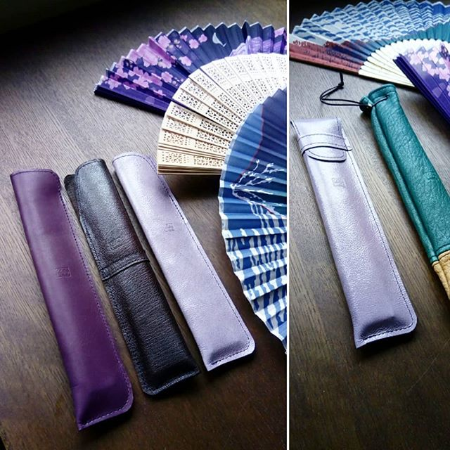 扇子のレザーカバーお土産用です。#favorpoco #aging #aginglabo #leather #leathercraft #craf #bag #leathercraft #leatherwork #leatherworks #fashion #design #designer #名刺入れ #工具 #革 #革小物 #バッグ #日本 #cardcase #お土産 #アトリエ #レザー #レザークラフト #扇子 16:08