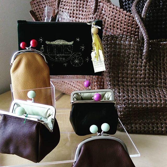 9月12日から3日間、聖路加国際病院にて10時から15時まで展示販売いたします。刺繍ポーチ類、インドのトライアル(メッシュバッグ2〜5万円台、がま口3500円〜)、ハラコのバッグなどひと通り揃えています。是非お立ち寄りくださいませ。#favorpoco #aging #aginglabo  #leather #leatherbags #leatherbag #bag #sholderbag  #leathercraft #atelier #leatherwork #leatherworks #fashion #design #designer #エイジング  #革 #革小物 #バッグ #ショルダーバッグ #exhivition #popupshop #leathergoods #present  #聖路加国際病院
