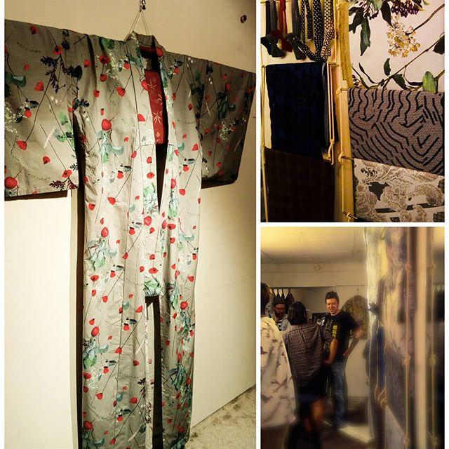 週末、スーツバーさんのお披露目会へ行ってきました。enamelさんとのコラボの浴衣、カッコイイ。レザーボウタイを扱って頂いてます。#suitbar #bowtie #leatherbowtie #suits #enamel #浴衣 #kimono #代官山 #ordersuit #wedding